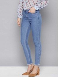 Women's Embroidered Mid Rise Clean Look Jeans