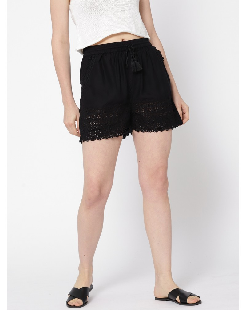 Women's Embroidered Regular Fit Shorts